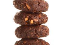 Double Dark Peanut Butter Chocolate Chip Bites