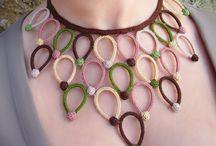velký náhrdelník s korálky