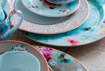 Cups & dishes! / Bijzonder mooi servies. Borden, kop en schotels en bekers...