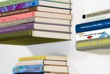 Innovationsfreudiges Materiallized In Eine Schwebende Bücherregal, Dass Trotzt Schwerkraft