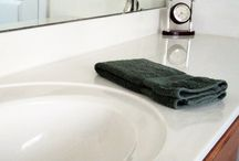 Bathroom Cleaning Tips / DIY bathroom cleaning tips. Ideas for organizing your bathroom to help keep tidy and clean.