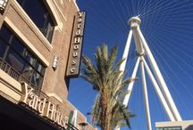 Las Vegas: Things to do, things to see and places to eat & drink / Must see, must do, must drink in Vegas