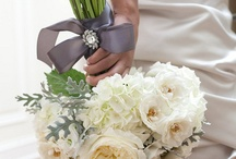 Gold and ivory themed weddings