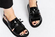 Schuhe- Shoes