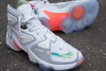 Nike LeBron XIII