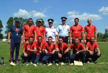 """Concursurile Serviciilor Profesioniste pentru Situaţii de Urgenţă / Inspectoratul pentru Situaţii de Urgenţă """"Bucovina"""" al judeţului Suceava a organizat Concursurile Serviciilor Profesioniste pentru Situaţii de Urgenţă – etapa a III-a – zonală, ce s-au desfăşurat în zilele de 1 şi 2 august a.c., la Garda de intervenţie Siret şi pe stadionul 9 Mai, din oraşul Siret."""