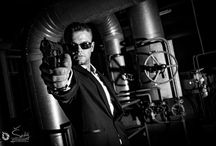 The Courier – Contract / A modern show replete with action elements and firearms