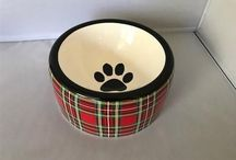 Christmas Holiday Gifts for Pets / Holiday gift guide for dogs and homes where they live. Christmas collars, toys, bedding etc