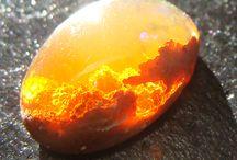 Minerals / crystalline minerals