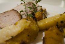 Χοιρινό στο φούρνο με κολοκύθα ,γλυκοπατάτα και κυδώνια