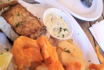 yummy fish and chips / OK, everyone has their little weaknesses... I live by the sea, sometimes on a boat, so OF COURSE I do like fish and chips. Sometimes when they are particularly nice, I post them up here.... Every plate filled with happy memories!