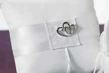 Wedding Linens & Things / Fun wedding accessories from www.linentablecloth.com and www.beau-coup.com / by Beau-coup