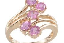 Oriental Style Gemstones / Style your Oriental style outfits with these beautifully hued gemstones.