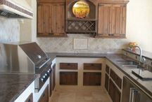 Outdoor Kitchens  / Photos of outdoor kitchens that Wood Crafters has both designed and built in Houston.