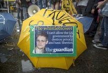 Respaldo a Snowden, jóven que desenmascaró al Gobierno EE.UU. / Edward Snowden, ex operador de la CIA y consultor de la Agencia Nacional de Inteligencia de Estados Unidos, es acusado de espionaje porque reveló ser la fuente de las filtraciones del programa secreto de vigilancia electrónica que mantiene esa nación norteamericana. Tras solicitar asilo político, el Gobierno de Ecuador está considerando una decisión según sus leyes y políticas internacionales.