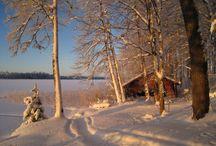 Huom!-joulukalenteri / Joulua voi odotella seuraamalla Huom!-ketjun joulukalenteria, jonka luukusta putkahtaa joka päivä uusi valokuva. Huomilaiset toivottavat kaikille iloista joulua!