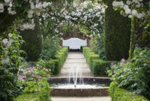 Romantic Gardens: Fountains and Water Features