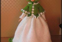 Barbie / historical models of the dolls