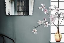 wall colour or wallpapers
