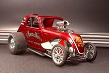 Model cars, trains, planes and boats. / Variety of vintage model cars