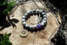 bracelets / beaded bracelet