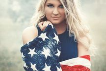 Americana Shoot / Here are some ideas on what to wear and how to pose for your Americana 4th of July Session
