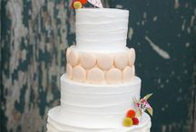 wedding cakes / by Donna Deangelis-Rabe