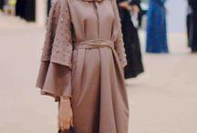 modek gaun
