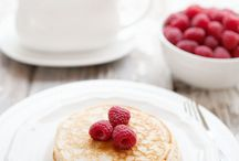 Breakfast + Brunch Recipes / The best recipes and ideas for breakfast and brunch around = egg bake, breakfast casserole, pancakes, waffles, smoothies, cinnamon rolls, oatmeal recipes and more!
