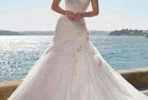 wedding dresses / by Jodi Stuard