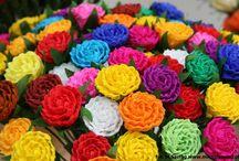 Kwiaty z bibuły / i inne