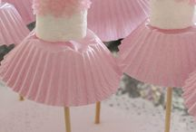 Ballerina Party / Every little girl wants to be a ballerina. Let's have a party complete with refreshments, tutus, birthday hats and fun!