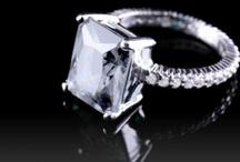 Jewelry I Want / by Cari Wine