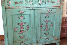 VINTAGE FURNITURE / by Rachel Ashwell