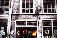 popup shop / floor for rent in my shop / Pop-upstore floor for rent in my shop Oude Spiegelstraat 4, Amsterdam 9 streets. Downstairs in our store is a 25 m2 floor for rent for at least 2 weeks and max 1 month. Contact us