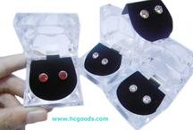 Magnetic Earrings / http://www.hcgoods.com/magnetic-earrings.html