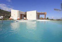 Villa Stella / Diese lichtdurch-flutete moderne Villa liegt auf einem großen Grundstüc, eingebettet in einen mediterranen Garten mit privatem Pool.  Der nächste Sandstrand ist nur 1,2 km entfernt, Scopello,Restaurant und ein kl. Suoermarkt können Sie sogar zu Fuss in nur 1 km erreichen. http://www.mediterraneocase.de/ferienwohnungen/ferienhaus-sizilien/villa-stella/