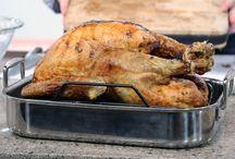 Thanksgiving 101: Recipes + Decor / Festive recipes, entertaining tips, and more!
