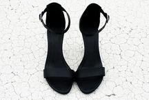 Sapatos. / sandálias,  botas,  rasteiras e tênis.