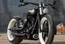 Awesome motorcycles / by Juan Trevino