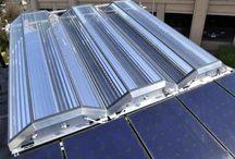 La technologie de climatisation solaire ! / A cause de l'augmentation continue de la température, On remarque que le climatiseur sera de plus en plus un équipement indispensable pour notre confort et par la suite on se trouve entre le choix d'une climatisation classique ou d'une technologie de climatisation solaire.