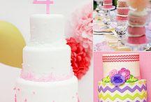 Cakes / by Rebecca Mendoza