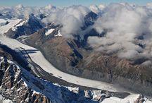 Ледник Тасман / Из всех ледников, находящихся на территории Новой Зеландии, самым большим является ледник Тасман, носящий имя первооткрывателя страны. Ледник Тасман находится в национальном парке Маунт Кук Аораки, в западной части региона Кентербери.