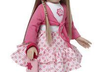 StarPath / Anita Winsor a conçu cette ligne de 4 poupées de 47 Cm avec l'aide de sa fille, passionnée de lecture et de poupées.  Plus de 4 années de conception et d'imagination, l'intervention de la célèbre artiste Linda Mason pour la création des visages ... et voilà la grande aventure des StarPath qui commence !