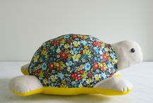In the mood to sew? This is so darn sweet. / by Moomah the Magazine
