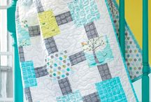 Fat Quarter Quilts / Fat Quarter Quilt Patterns, tutorials, inspiration, and how-tos. Make beautiful quilts with small cuts of fabric!
