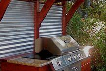 Cocina y Bar Exteriores / Outdoor Bar and Kitchen