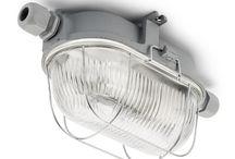 Kelderlampen / Deze bulleye van DeJaren30Fabriek.nl is gemaakt naar authentieke model. Bij THPG heeft men de werktuigen van meer dan 70 jaar oud teruggevonden om deze lampen weer te reproduceren. De gereedschappen zijn licht gewijzigd maar de lampen worden weer als vanouds geperst in Duitsland.