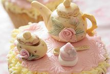 Cute cakes / by Mizzie Rowberry