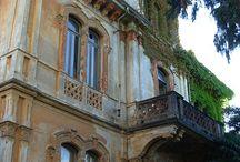 Houses / Villas